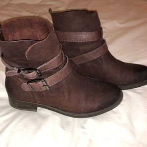 Vince Camuto brown boots — size 7.5